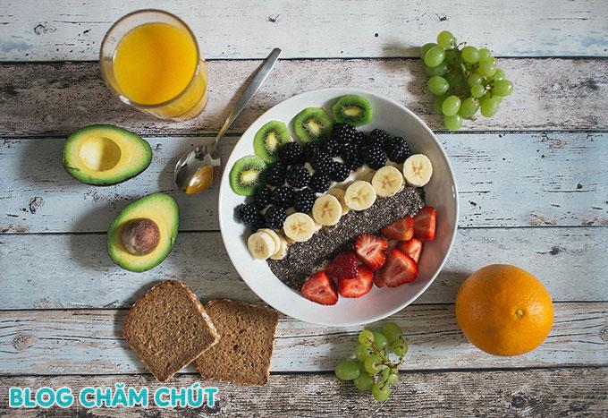 chế độ ăn uống hợp lý là cách để ngày đèn đỏ qua nhanh