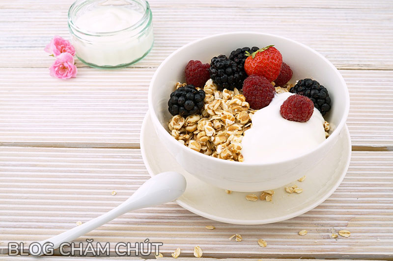 ngày đèn đỏ nên ăn thực phẩm giàu carbohydrate
